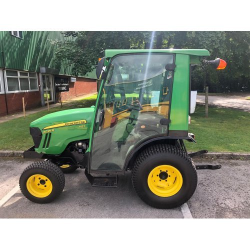 John Deere 2025R Compact Tractor (4WD)