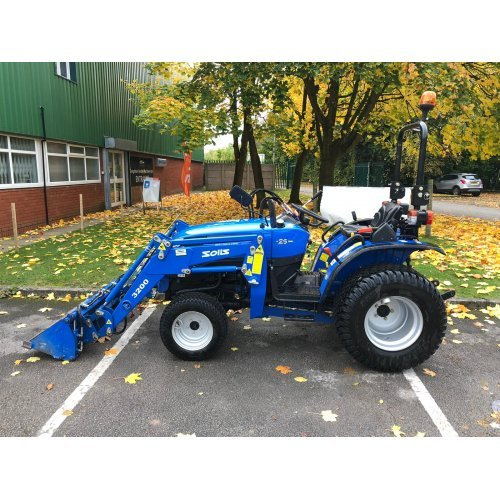 Solis 26 Compact Tractor (26HP with turf tyres and 4-in-1 Front Loader)