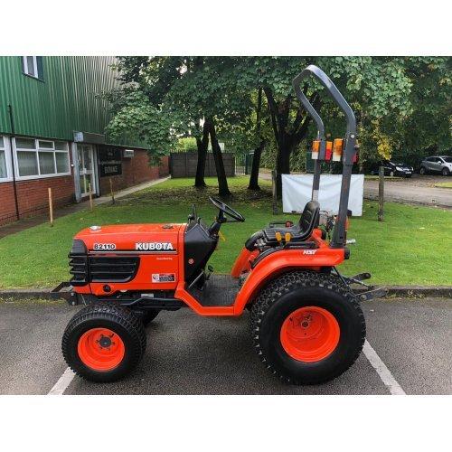 Kubota B2110 Compact Tractor 4WD Hydrostatic