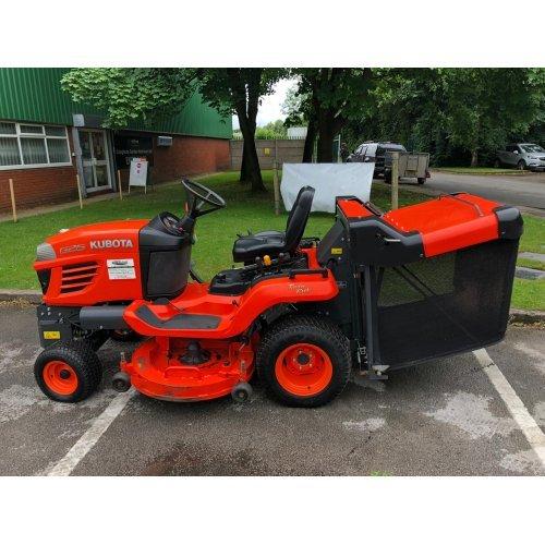 "Kubota G26 Low Dump Mower with 54"" Cutting Deck"