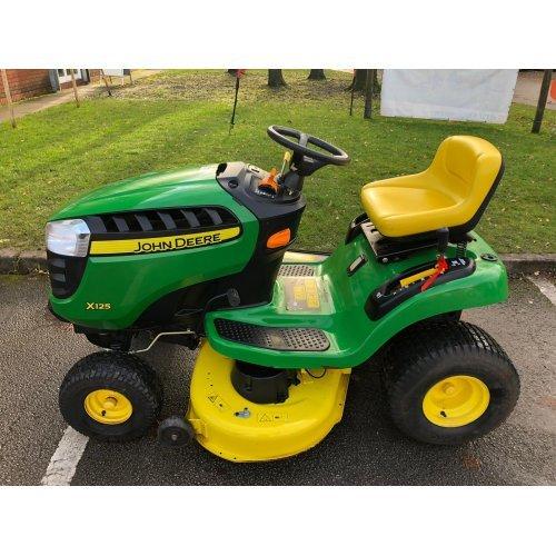 """John Deere X125 Garden Tractor with 42"""" Deck"""
