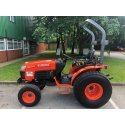 Kubota B3030 Compact Utility Tractor 4WD