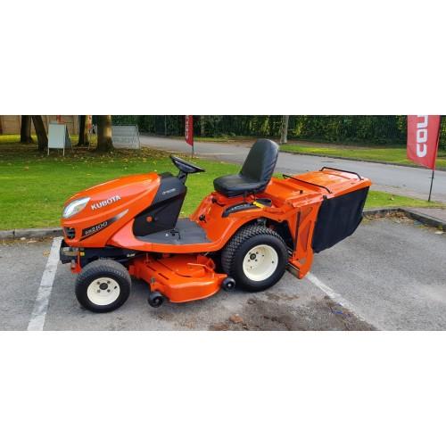 Kubota GR2100 4WD Lawn Tractor