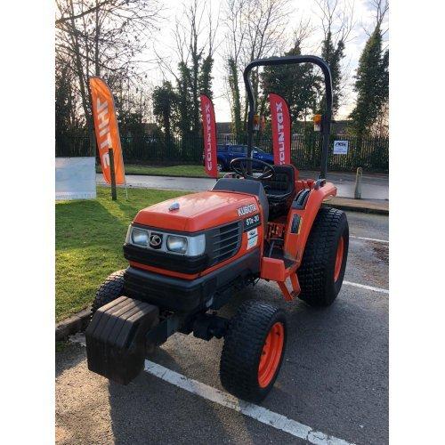 Kubota STa-30 Hydrostatic 4WD Compact Tractor (Used)